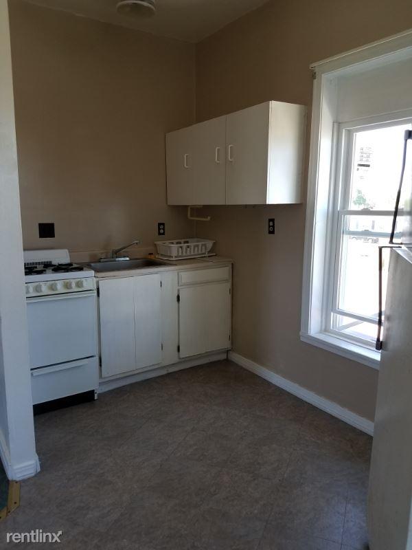 32 Wall Street 132, Cambridge Springs, PA - $400