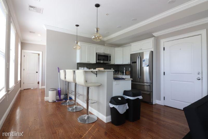 38 Hyde Park Ave 4, Jamaica Plain, MA - $3,675