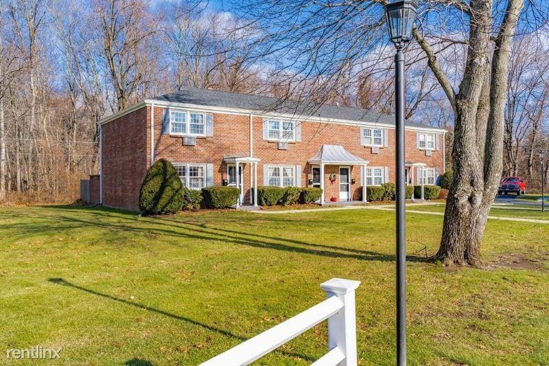 27 Dewey Avenue, Westfield, MA - $1,250