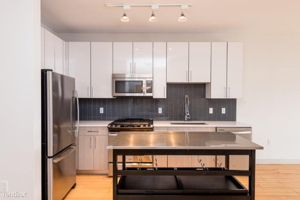 320 D St Unit 207, South Boston, MA - $3,435
