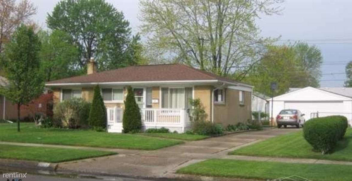 21173 Suffolk St, Clinton Township, MI - $1,500