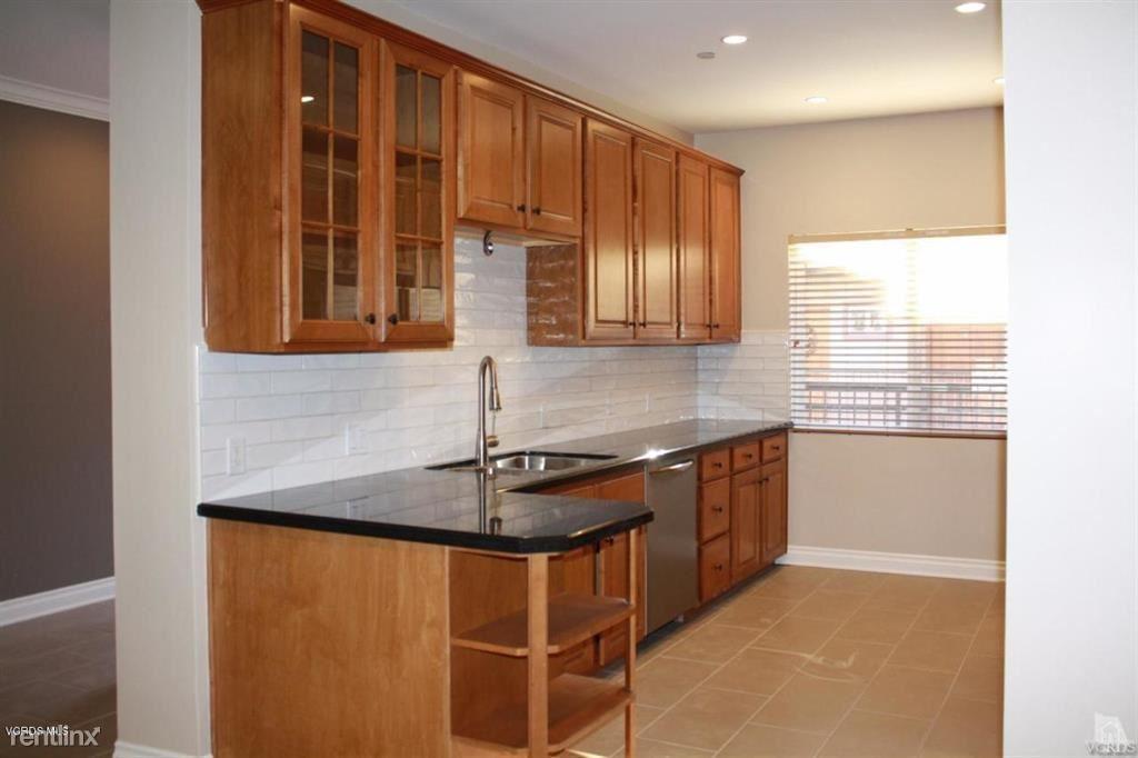 5241 Colodny Dr Unit 404, Agoura Hills, CA - $3,550