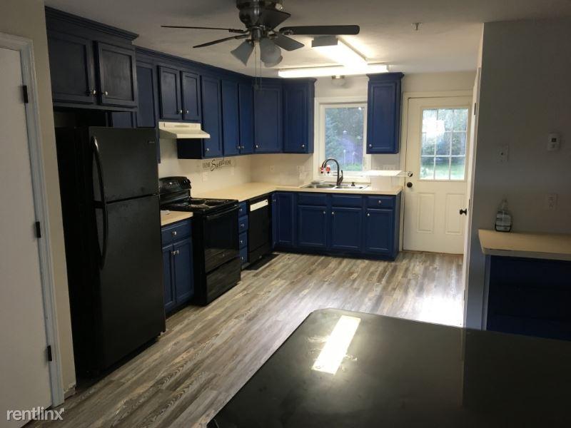 87 George St 2, Attleboro, MA - $1,600