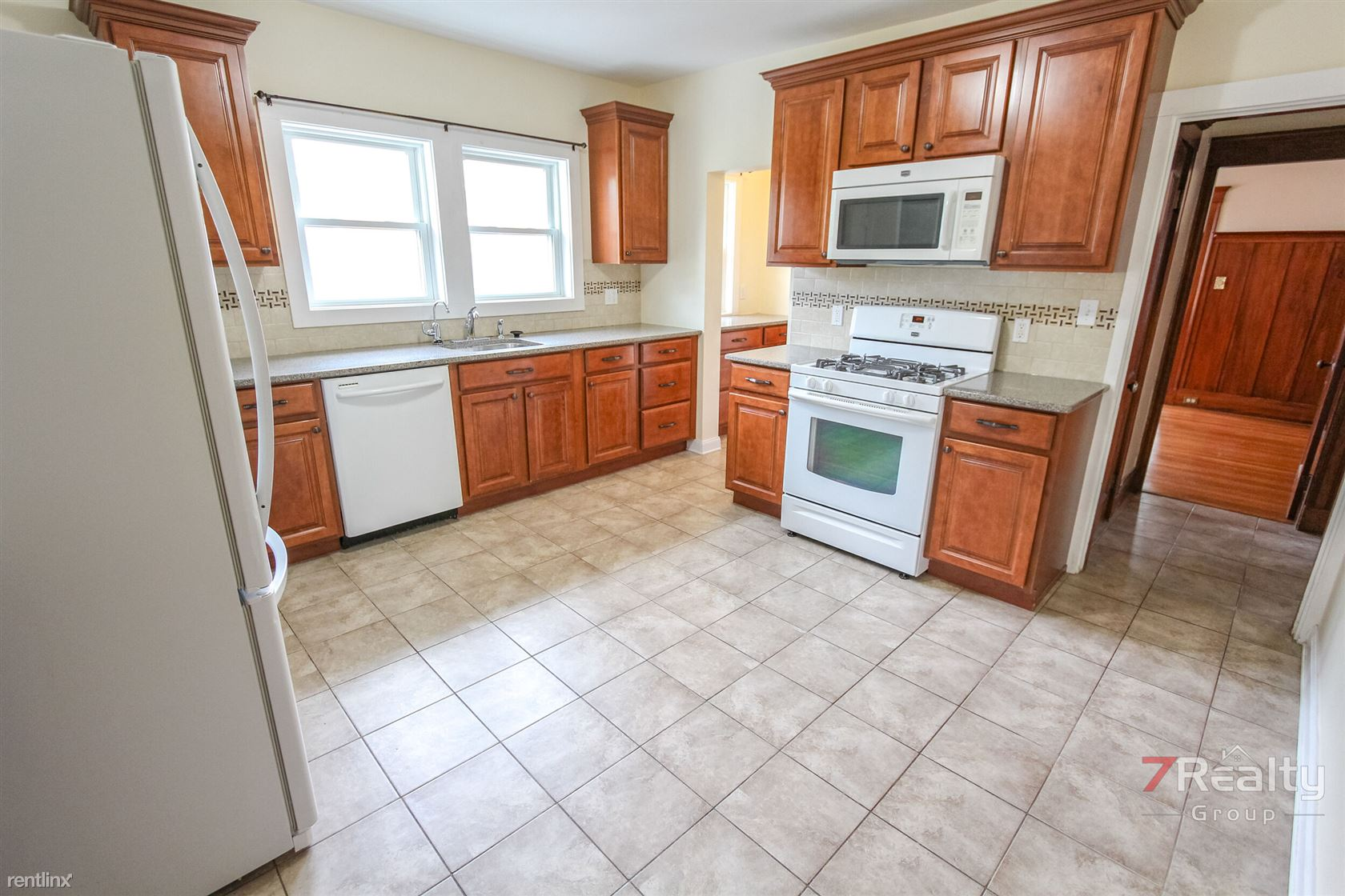 24 Chester Rd, Belmont, MA - $3,550