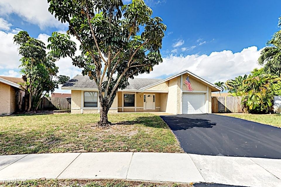 8203 SW 12th Place, North Lauderdale, FL - $2,268