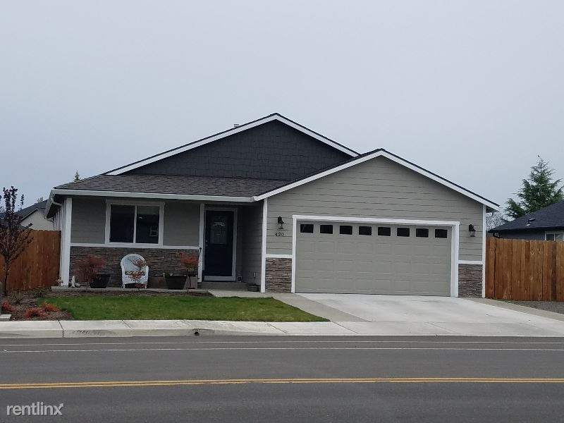 420 Sienna Hills Dr, Eagle Point, OR - $1,850