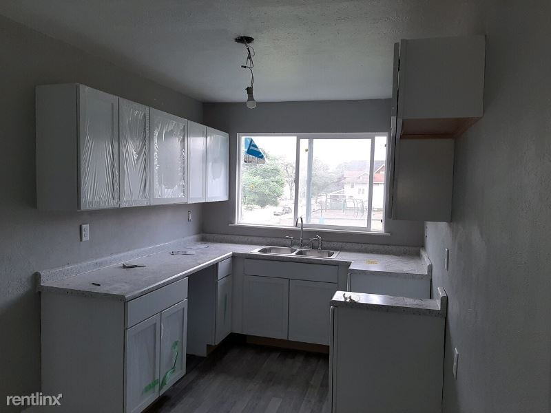 509 W High St, Elkhart, IN - $950