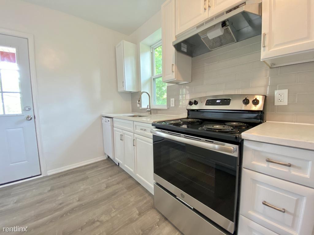 5508 Broad St Unit 2, Pittsburgh, PA - $2,400