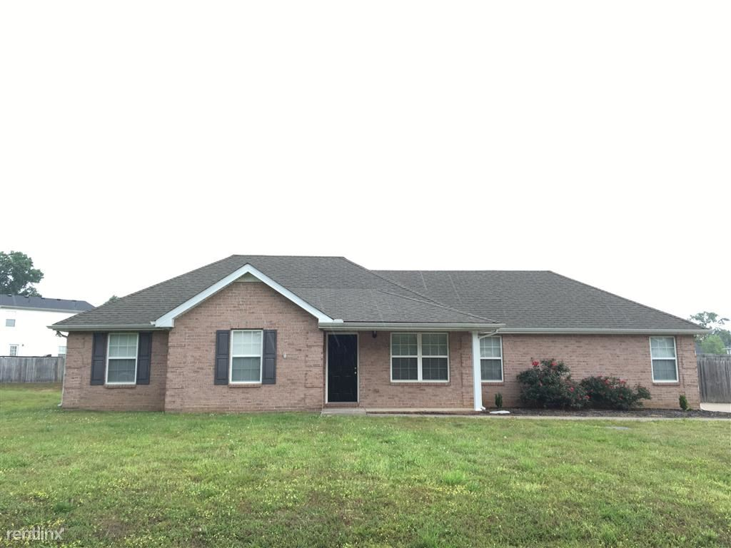 144 Centerrock Dr, Christiana, TN - $1,529