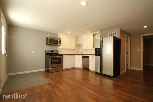 2108 6th St C, Rapid City, SD - $900