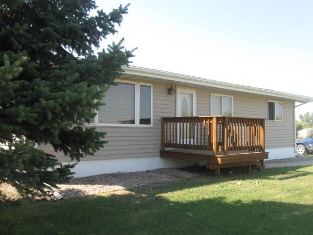 1822 15th Ave NE, Grand Forks, ND - 1,350 USD/ month