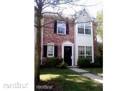 227 Lindsey Ct, Franklin Park, NJ - $2,350
