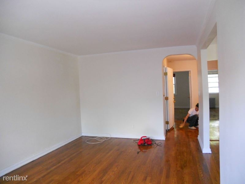 42-98 Saull Street 2nd fl, Flushing, NY - $21,500