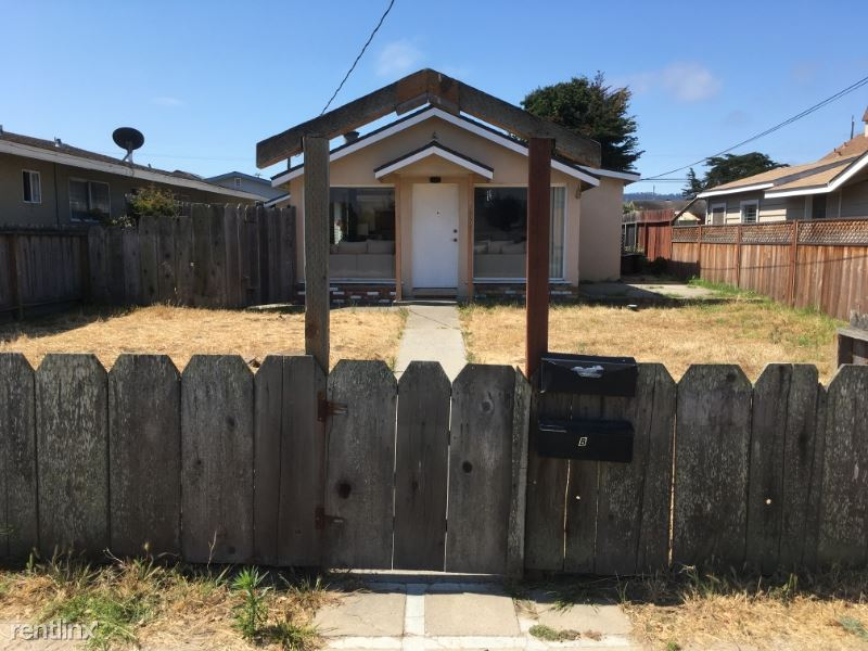 Broadway and Hillsdale, Seaside, CA - $1,350