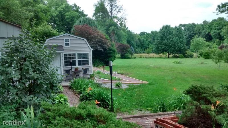 East Keller Hill Road Guest Studio Bungalow, Mooresville, IN - $800