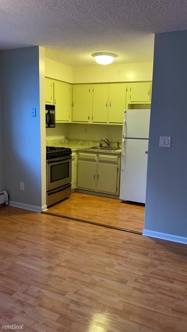 17-19 68th St, Guttenberg, NJ - $1,650