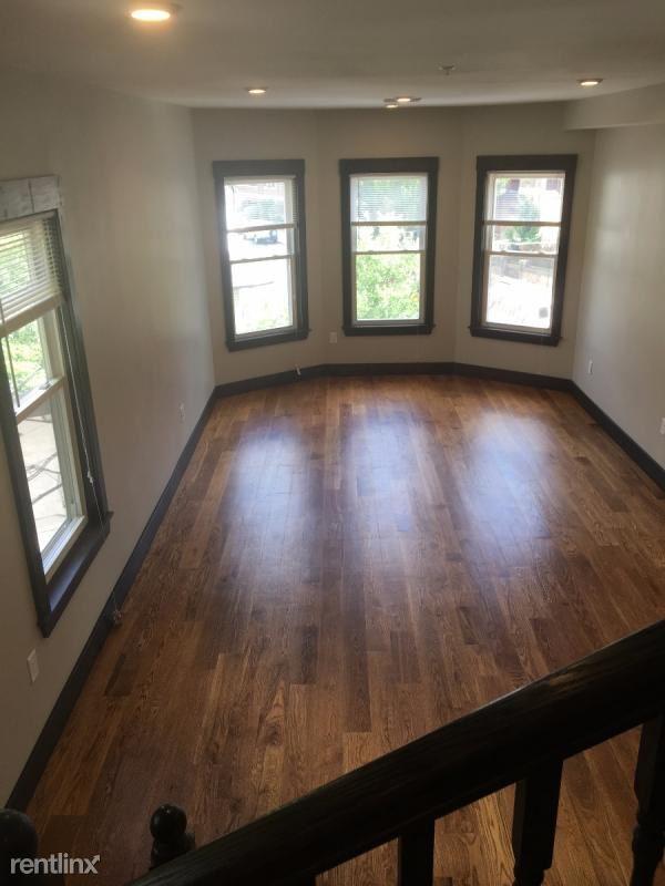 46 Creighton St Apt 3, Jamaica Plain, MA - $4,500