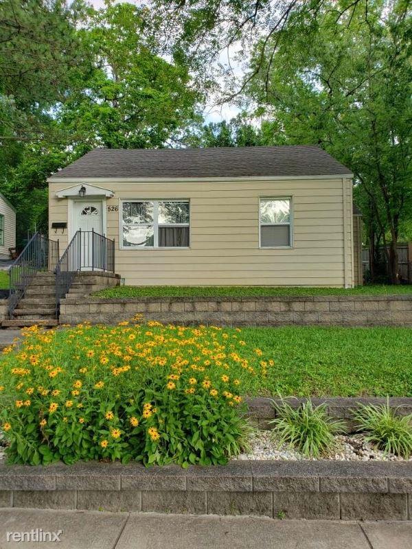 526 Oak St, Webster Groves, MO - $1,150