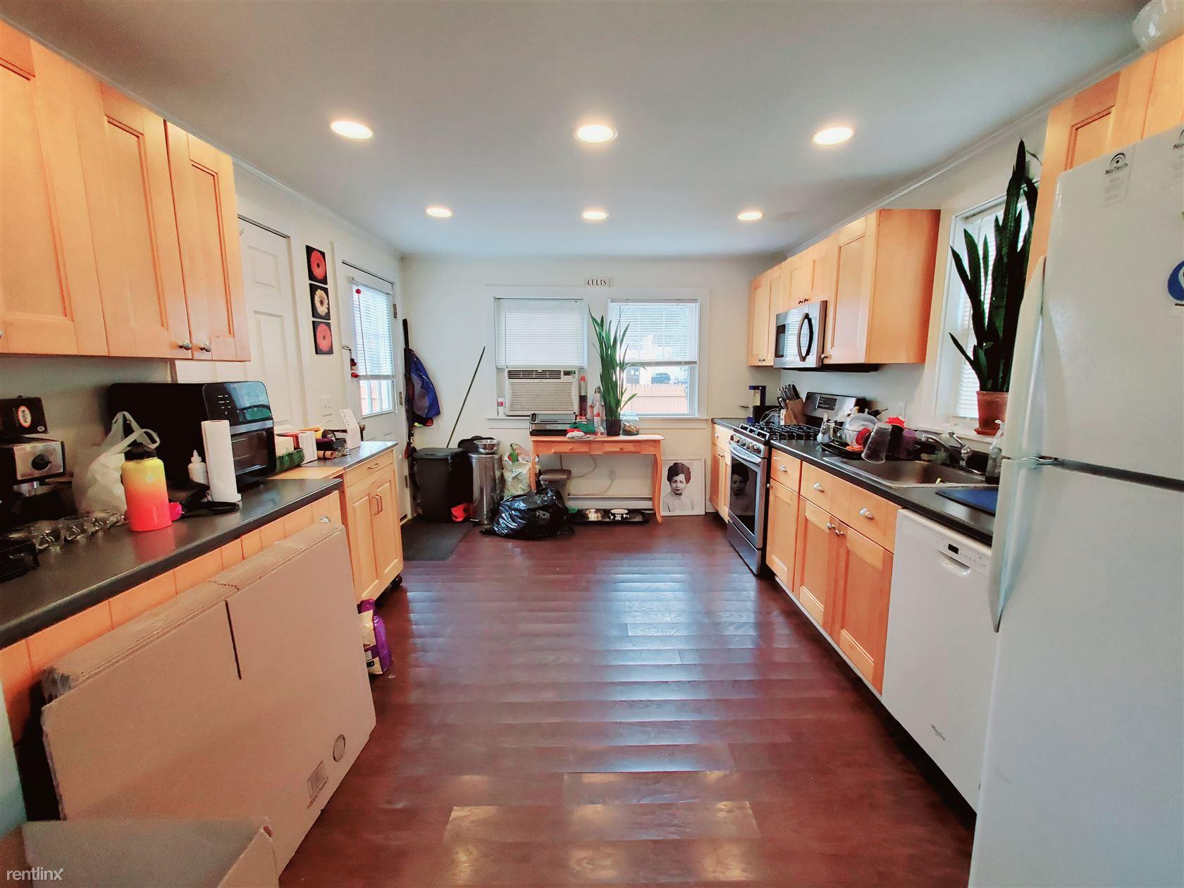 Center St., Stamford, CT - $2,500