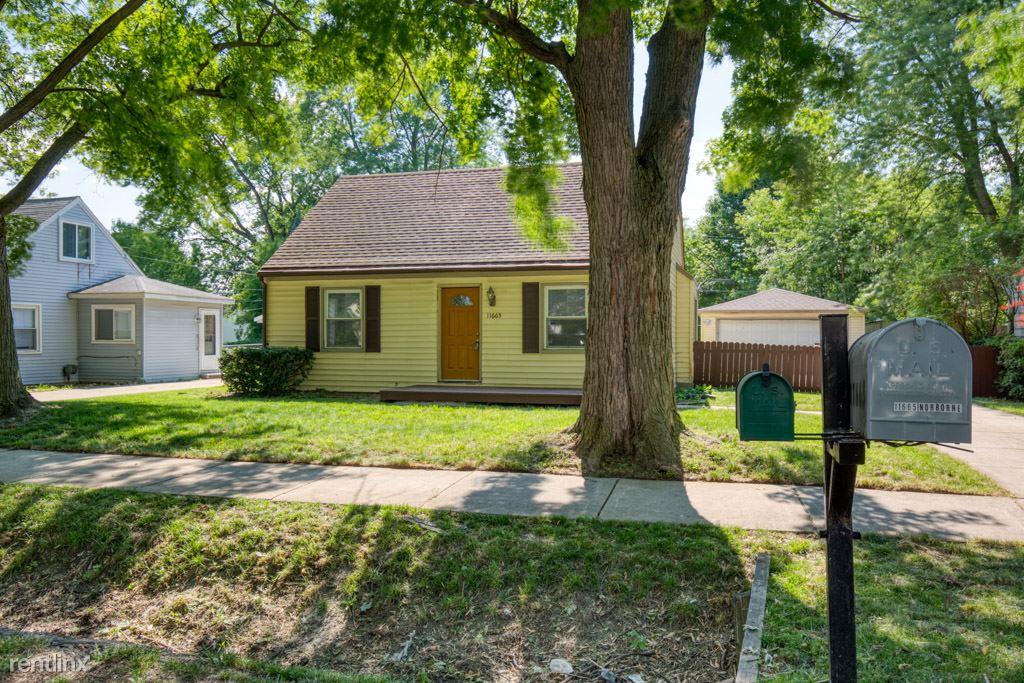 11665 Norborne, Redford, MI - $1,400