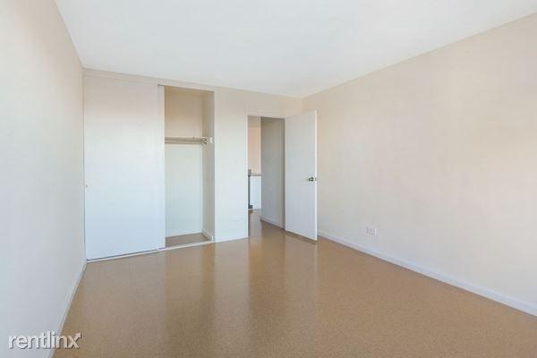 9728 57th Ave # PAN07O, Corona, NY - $1,900