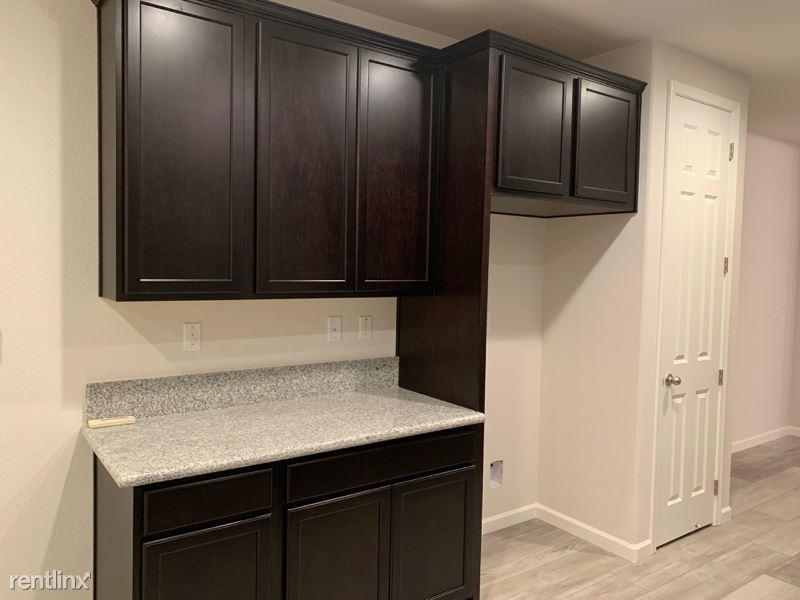 637 West Weller Ave, Mountain House, CA - $1,750