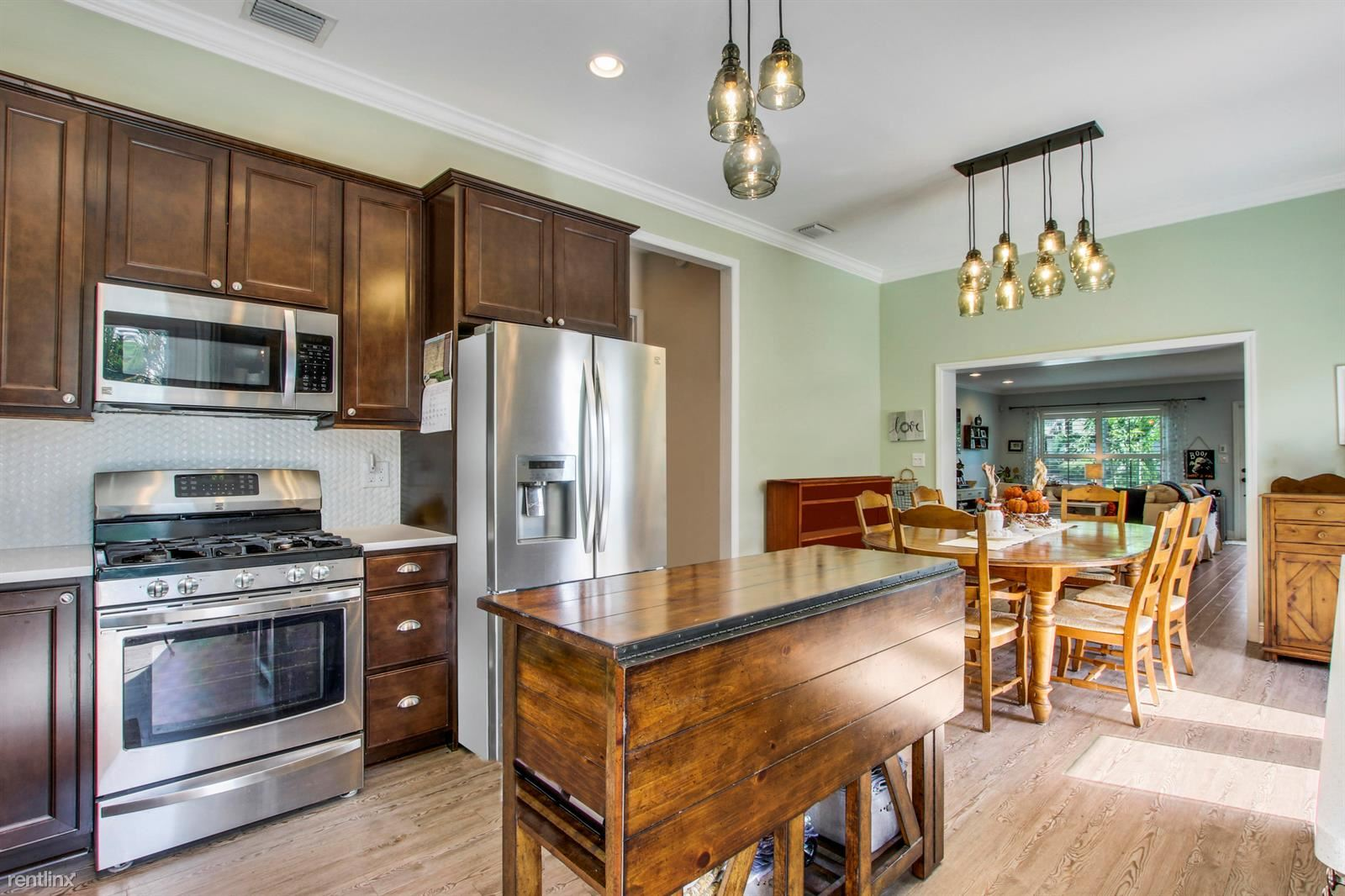 SW 93, Cutler Bay, FL - $3,200