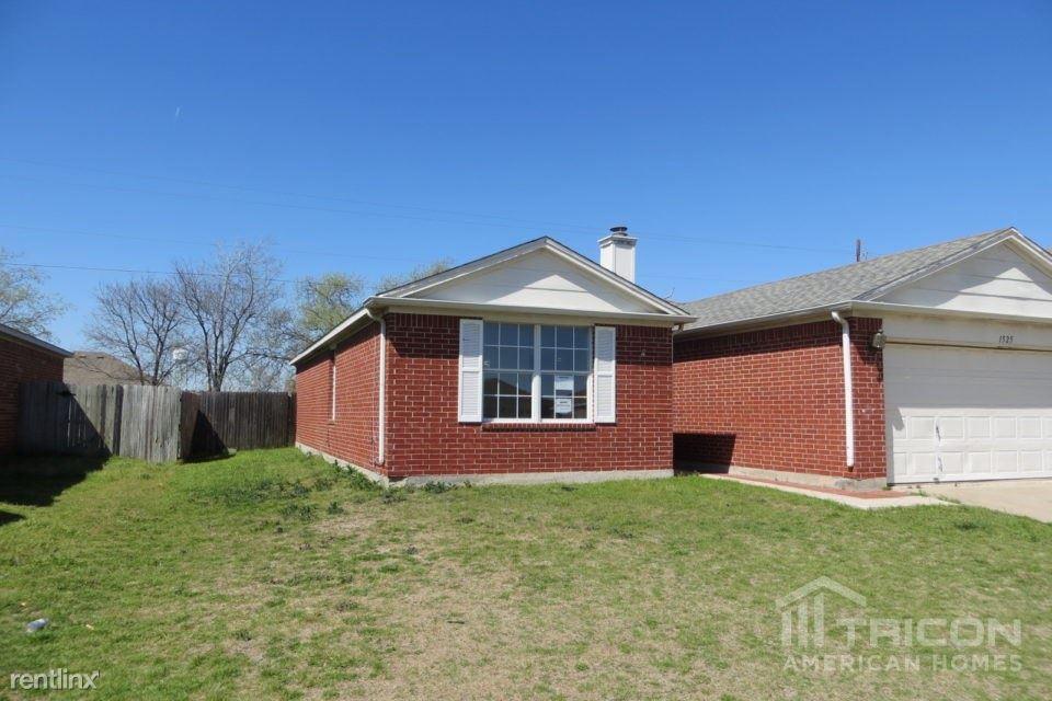 1525 Columbia Drive, Glenn Heights, TX - $1,549