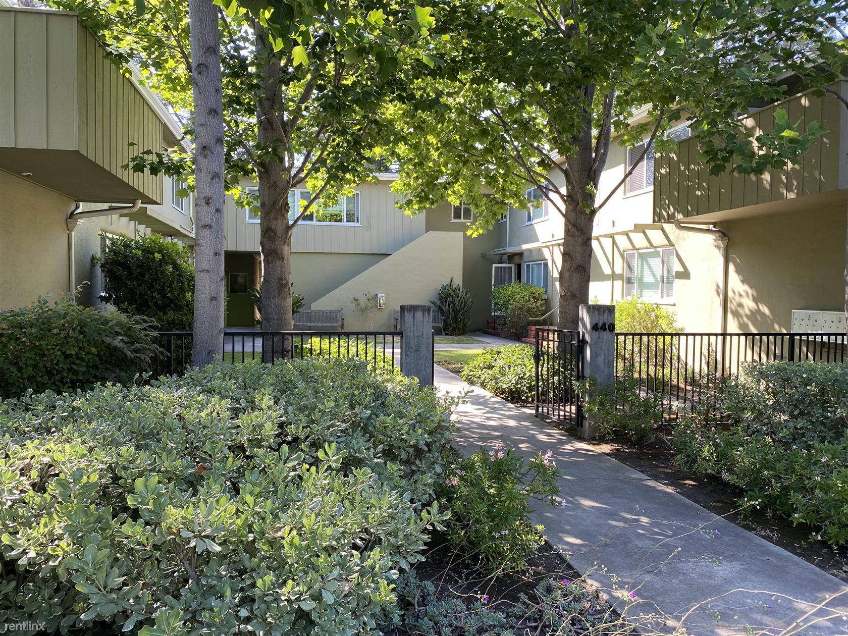 440 Ravenswood Ave Apt 2, Menlo Park, CA - $1,850 USD/ month