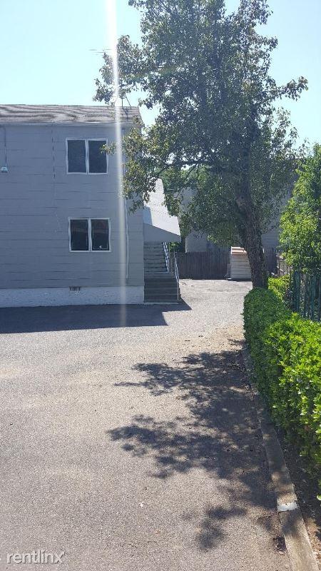 62 Glen Cove Road,, Roslyn Heights, NY - $8,600