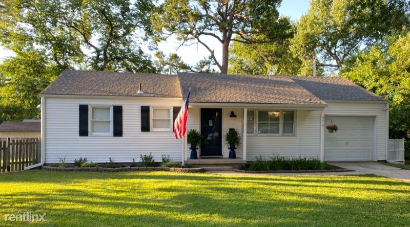 5318 W 77th Cir, Prairie Village, KS - $1,700