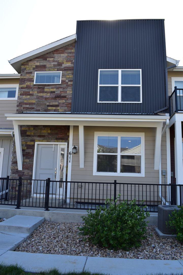 611 Grandview Meadows Dr., Longmont, CO - $1,975
