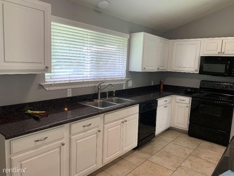 1546 4h Club Rd, Denham Springs, LA - $1,600