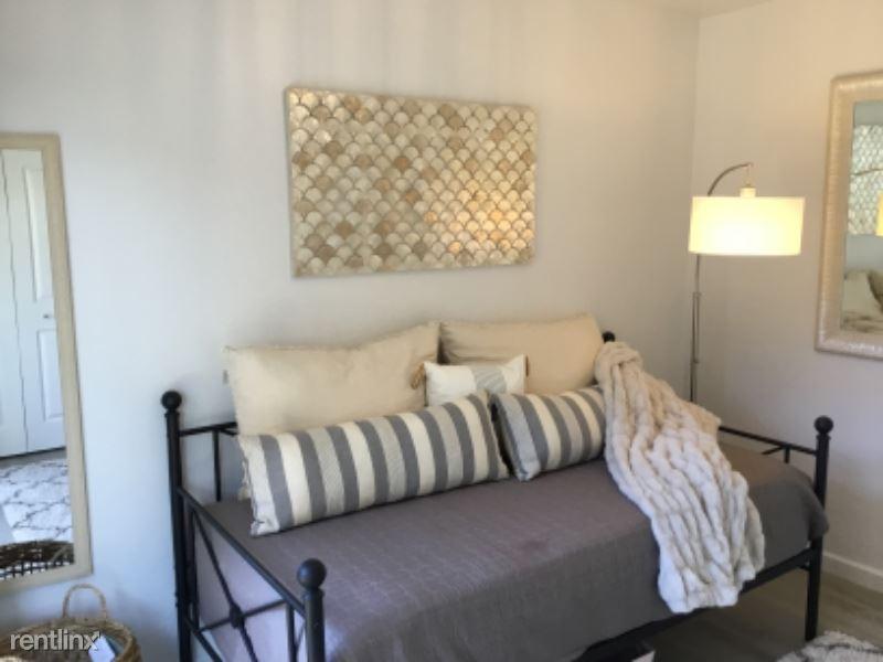 La Salle, Seaside, CA - $1,250