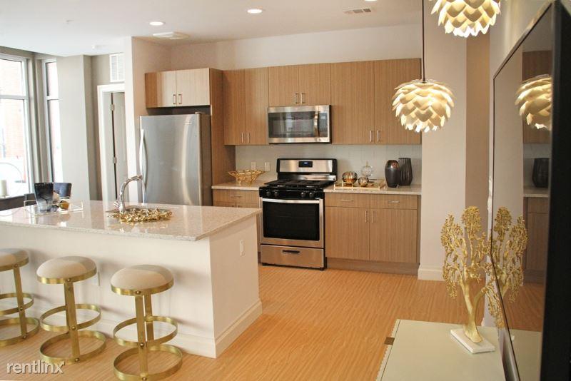 123 Park Plaza Dr 3, Secaucus, NJ - $2,100