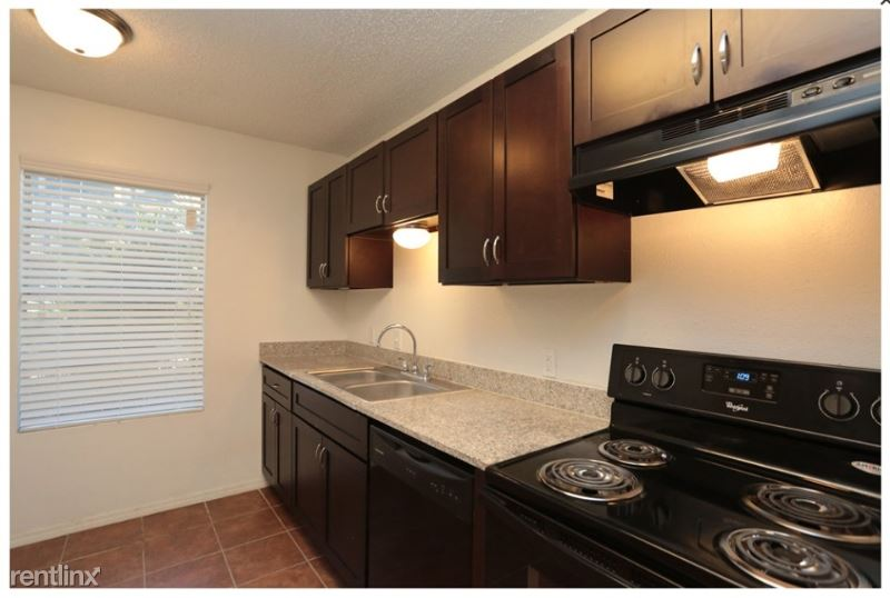 2801 W Sunset Dr Move in Special, Orange, TX - $806