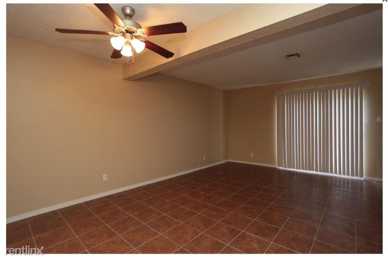 2801 w. Sunset drive, Orange, TX - $930