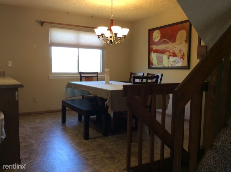 3858 Smoke Tree Dr, Colorado Springs, CO - $2,950