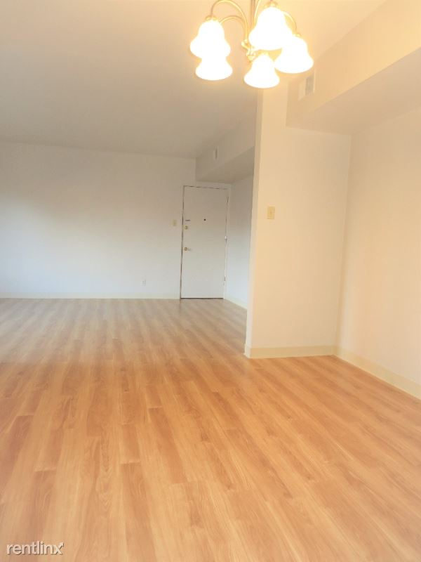5710 Phillips Avenue A6, Pittsburgh, PA - $1,270