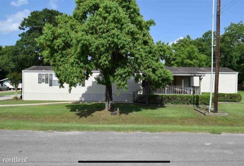 320 Stewart St A, Kountze, TX - $1,195