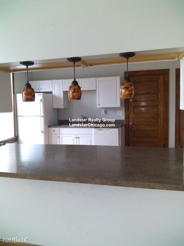 2863 Fullerton #2A - 2250USD / month