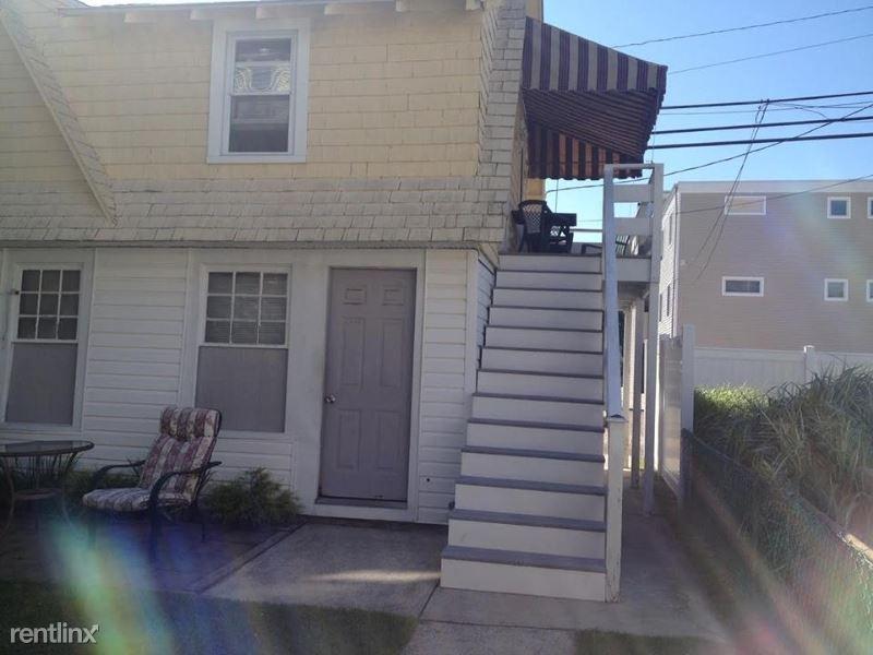 321 Wesley Ave Cottage, Ocean City, NJ - $1,750