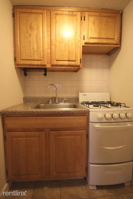 155 W 10th St, New York, NY - $2,550