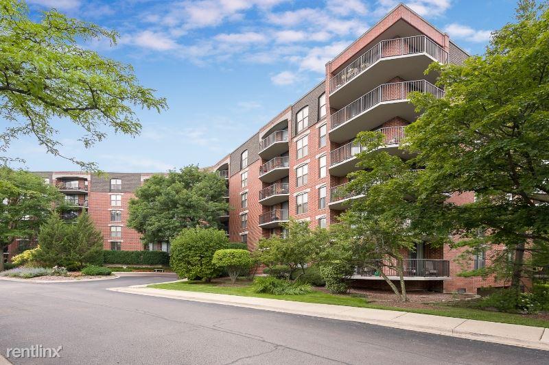 509 Aurora Ave 603, Naperville, IL - $2,150