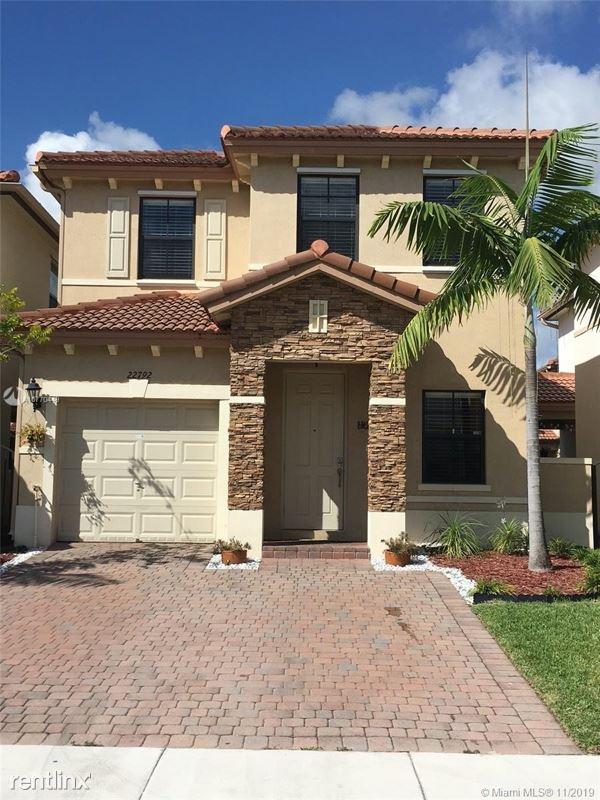 22792 SW 88 Pl, Cutler Bay, FL - $2,200
