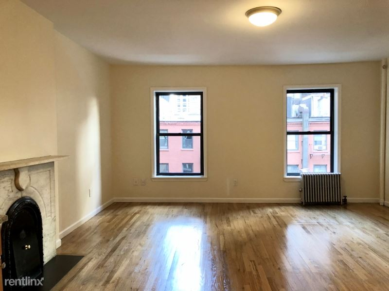 69 W 55th St 5B, New York, NY - $2,250