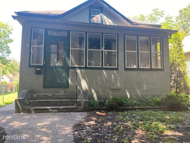 415 Bay St, Saint Paul, MN - $1,295