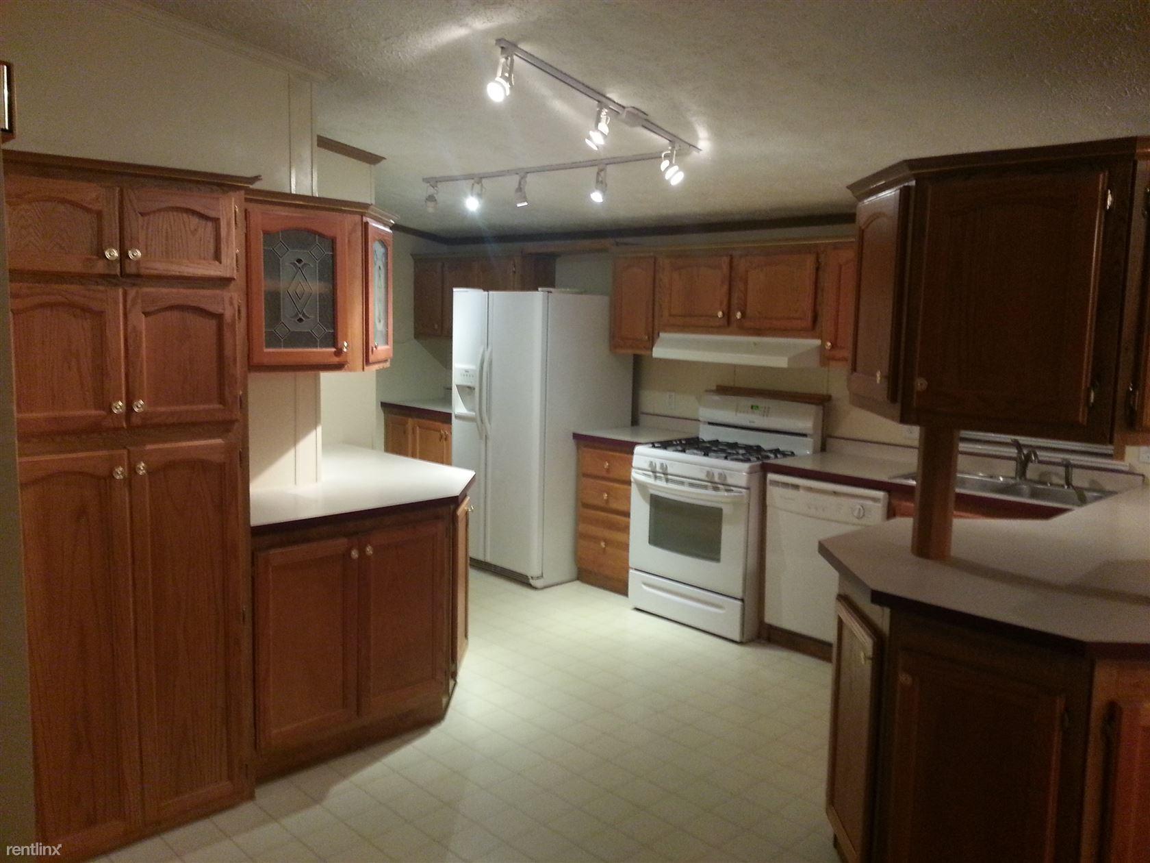 321 East Alton Street, Marine, IL - $1,099