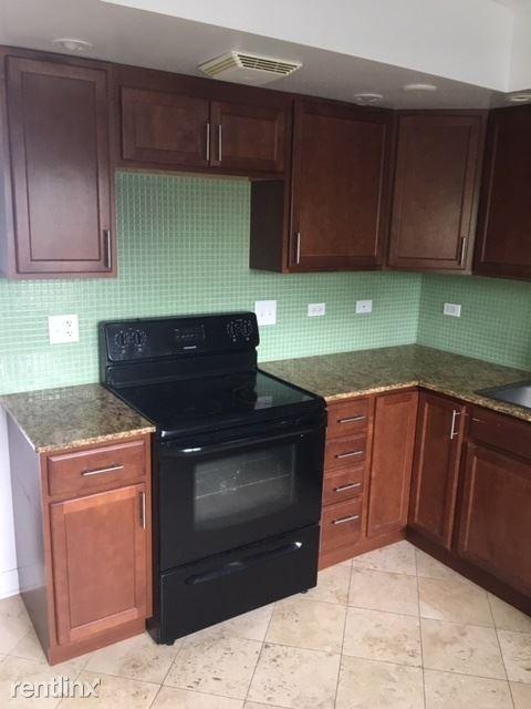 7632 N MILWAUKEE, Niles, IL - $1,300