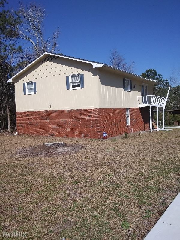 345 Chadwick Shores Dr, Sneads Ferry, NC - $1,300
